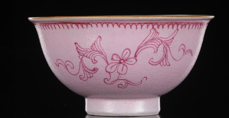 淡雅尤美的胭脂水釉瓷器