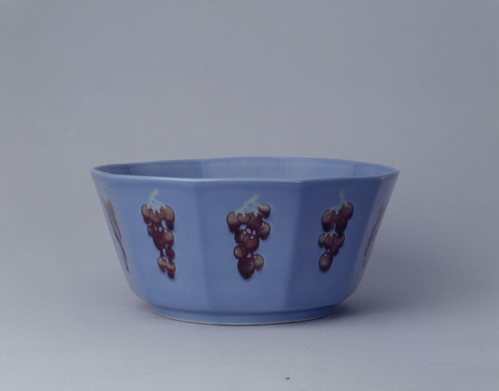 慕古之风的清代天蓝釉瓷器